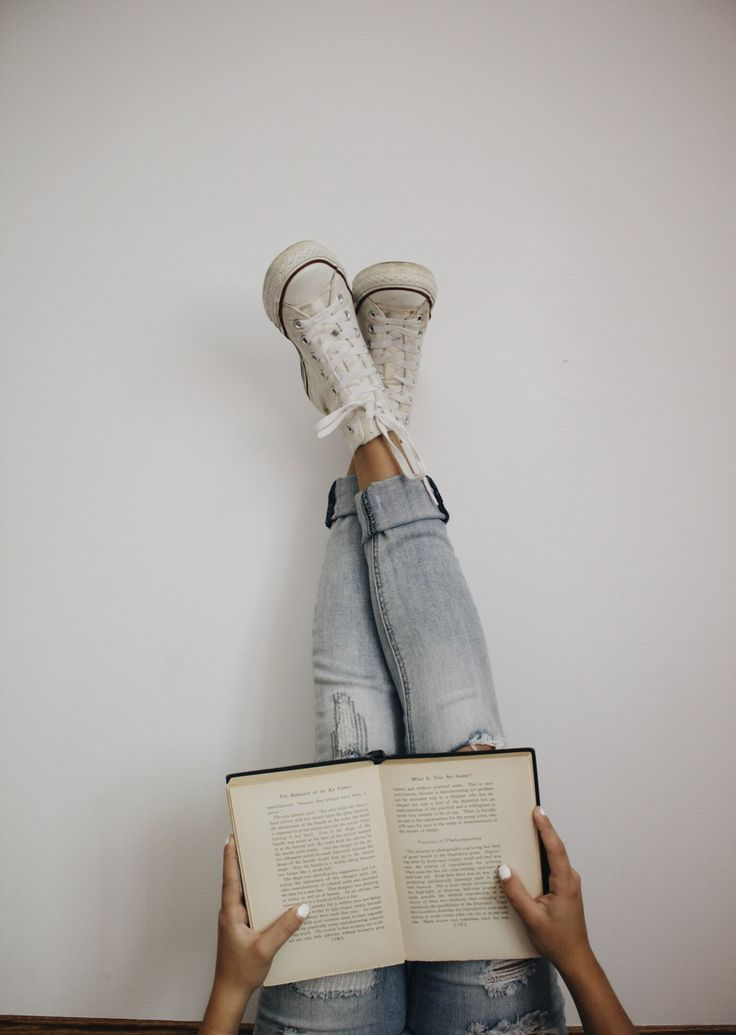 Aesthetic, cute, converse, blue jeans, jeans, book, books, chill