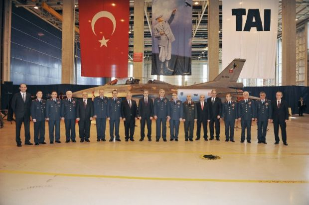 """Ankara, the Turkish Air Force received the last copy of the Lockheed-Martin F-16 """"Fighting Falcon"""" completely modernized at a ceremony on April 10 at the Turkish Aerospace Industries Factory (TAI).   In total, 163 were F-16C / D of the Turkish Air Force have been upgraded as part of the Peace Onyx III program (OP-III) at a cost of about $ 1.1 billion. The PO-III program included the standard level upgrade Block 40 and Block 50 throughout Turkey at a similar level to implement joint program…"""