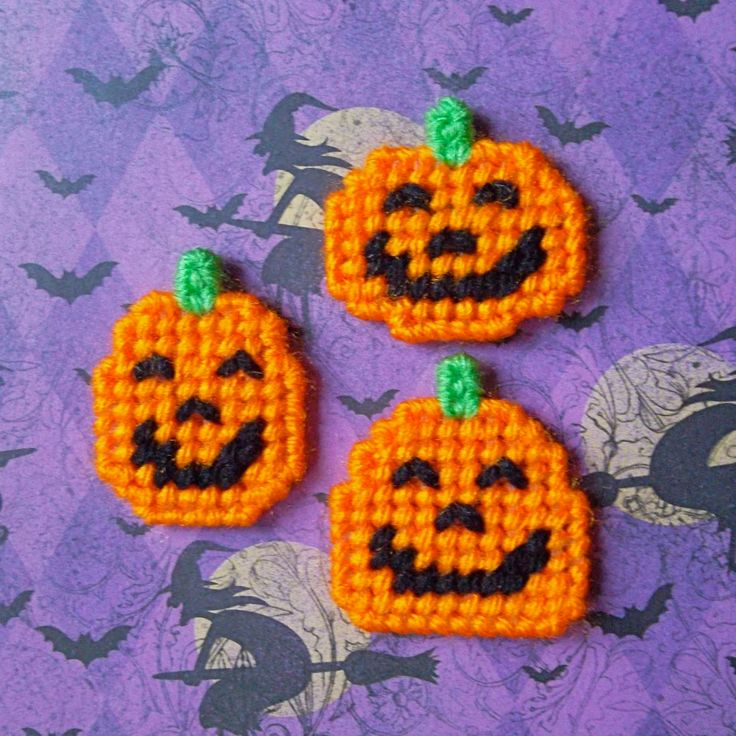 "Plastic Canvas: Three Little Pumpkins Mini Magnets (set of 3) -- ""Ready, Set, Sew!"" by Evie"