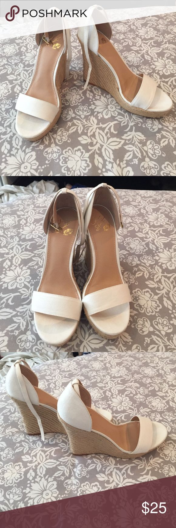 Colin Stuart wedges 🌞 EUC Colin Stuart white and tan wedges with adjustable strap, only flaw is marks on the bottom!🌞 Colin Stuart Shoes Wedges