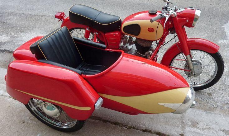1960 250 With Duna sidecar
