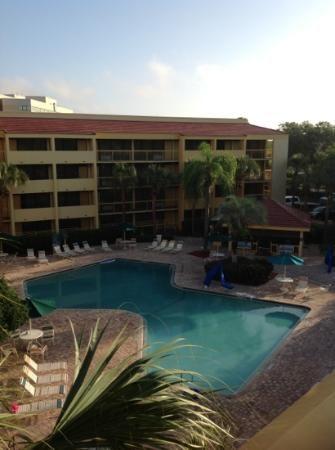 La Quinta Inn Orlando International Drive: pool and tiki bar