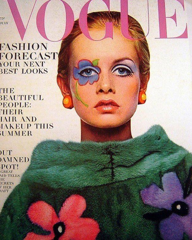 e274345919 July 1967 the girl with kaleidoscope eyes  twiggy  vogue  voguemagazine  60s   highfashion  model  iconic