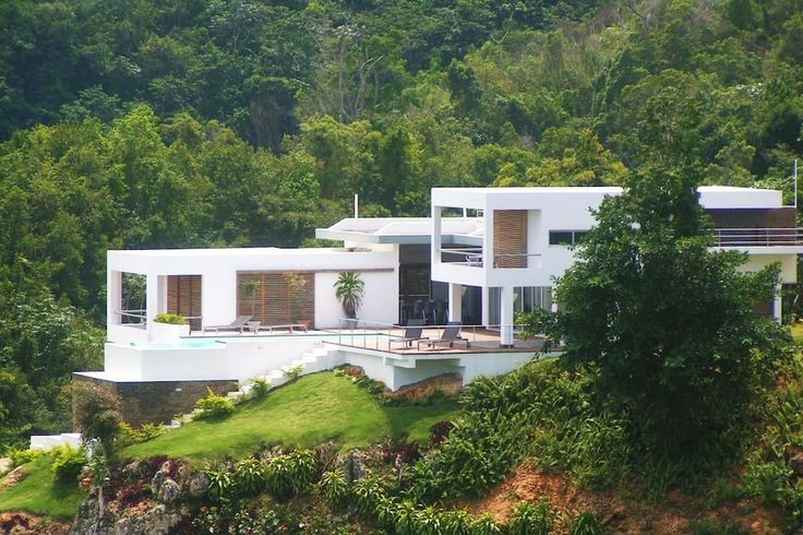 Entire home/apt in El Limón, DO. An elegant hill-top refuge, Villa Arboleda offers a stunning visual experience of the Dominican Republic's Samana Peninsula.   Housekeeper included on weekdays.  MAX 10 PEOPLE STRICT  *** all the information you need is on in this page ****  Pleas...