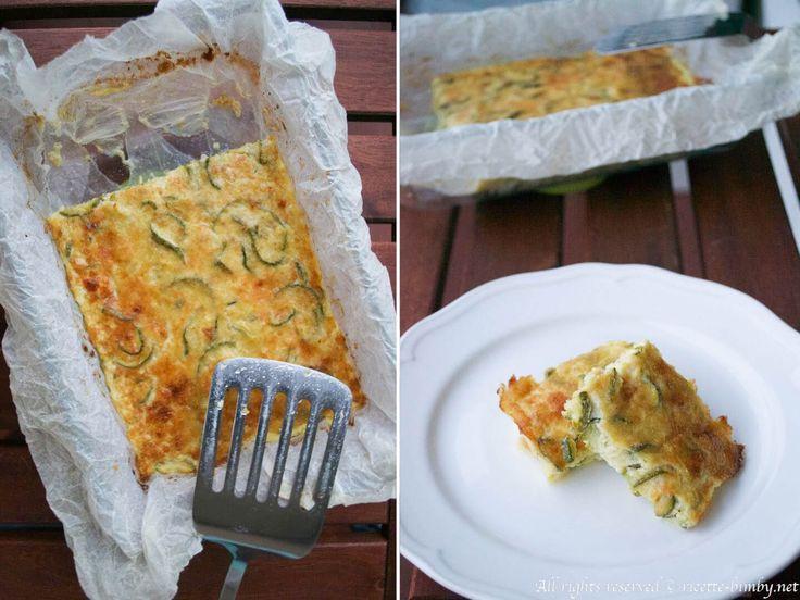Lo sformato di zucchine e stracchino è un antipasto facile da preparare con l'aiuto del tuo bimby. Può essere servito anche come secondo di verdure.