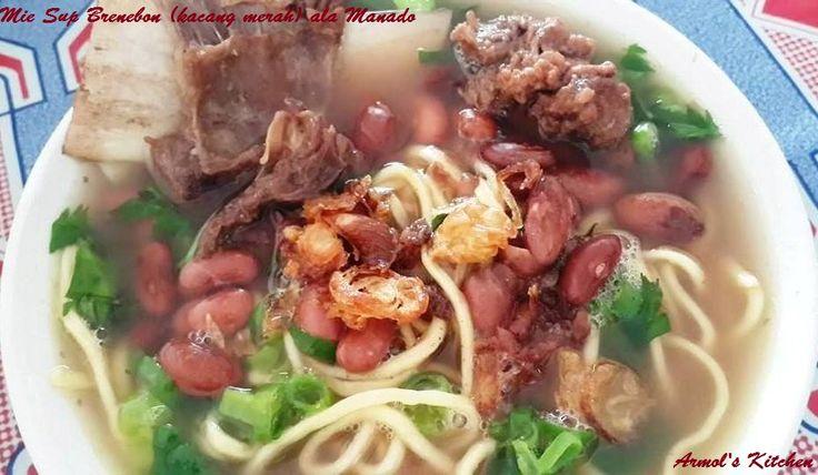 Mie Sup Brenebon  Makanan rakyat khas Manado ini merupakan kolaborasi dari 2 jenis makanan. Yakni sup brenebon (kacang merah) dan mie kuah tradisional.   Masakan ini tetap lezat jika dimasak dengan menggunakan daging sapi ataupun daging ayam.  Yuk simak resepnya https://aneka-resep-masakan-online.blogspot.co.id/2016/09/resep-mie-sup-brenebon-kacang-merah.html