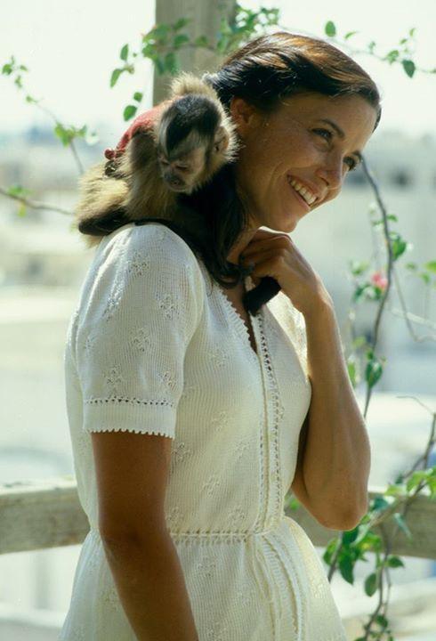 Karen Allen as Marion Ravenwood with capuchin monkey buddy in 'Raiders of the Lost Ark'
