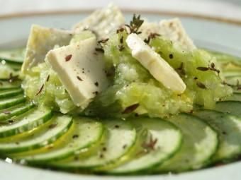 Cucumber salad with thyme