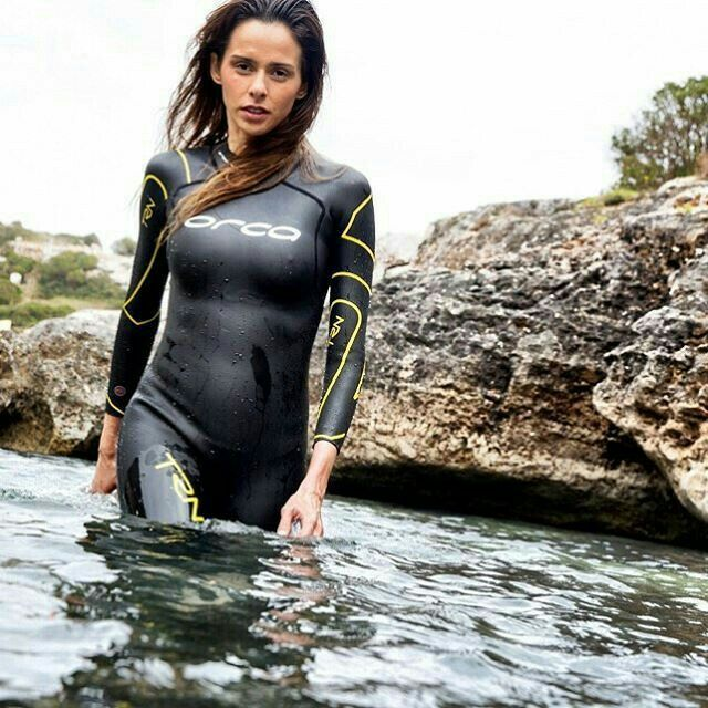 ass-busty-babe-in-wetsuit-vido-sister-fucked
