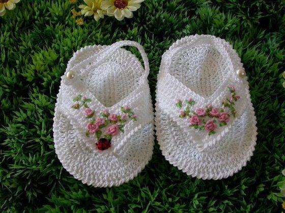 cicek islemeli kız bebek sandaleti - tig isi