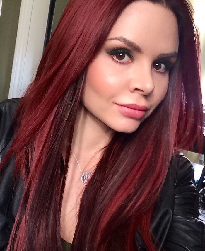 How To Take The Perfect Selfie Hands Free Red Hair Burgundy Hair Donna Bella Fusion