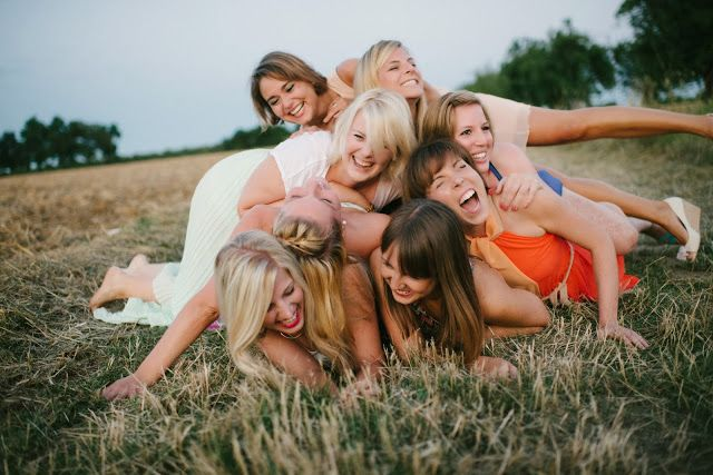 www.leonie-loewenherz.com | FRIENDSHIP | Summer Photoshooting with my girls - having lots of fun || Viele Freude beim Sauhaufen - Fotoshooting im Sommer