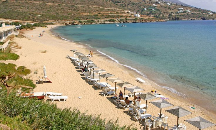"""#Andros #Geece KIPRI Location: On the western side of the island, on the main road leading from Batsi to Gavrio, just before """"Chrisi Ammos"""" and right after """"Agios Kiprianos"""".  Special features: Sandy #beach, just below hotel """"Perrakis"""". There are sunbeds, a beach bar and water facilities.  How to get there: By car or bus, taking the main road from the port of Gavrio to Stavropeda, right after """"Chrisi Ammos"""" and before """"Agios Kiprianos"""". There is a parking area."""