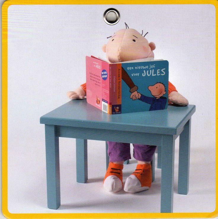 Jules leest boekjes