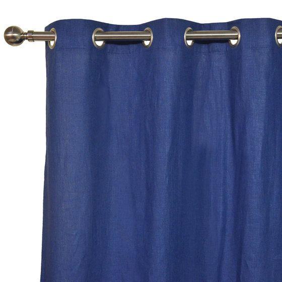 Assortir sa déco avec le rideau en lin bleu marine uni