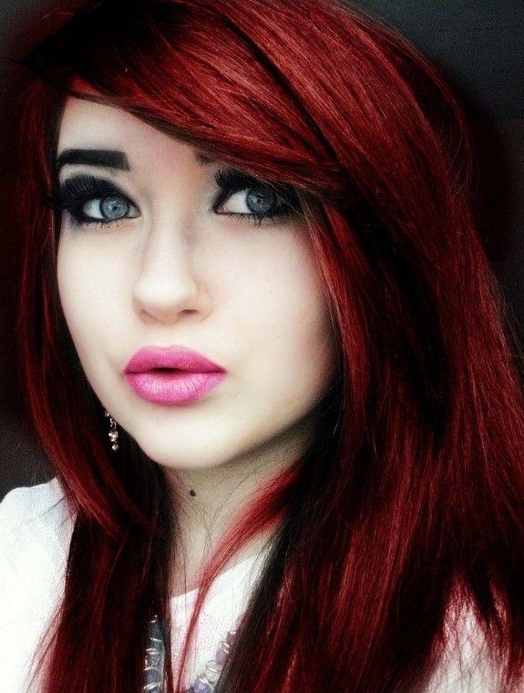 Mavi Gözlü Bayanlara Kızıl Saç Rengi Yakışır mı?