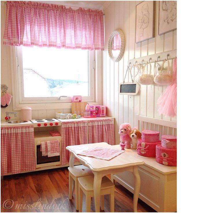 Playkitchen, jenterom, girlsroom, lekekjøkken, rosa, pinkroom, diy ...