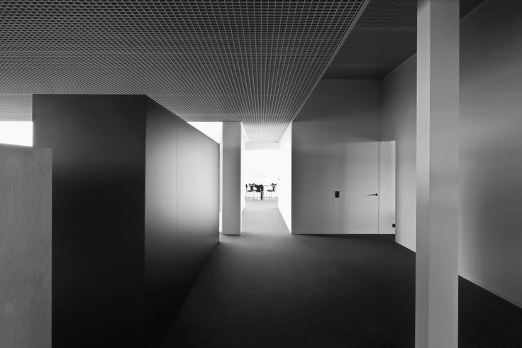 Gallery of Tonickx Offices / Vincent Van Duysen Architects - 4