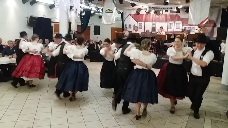 Nyitótánc a Budakalászi Sváb Bálon 2017. január 21.