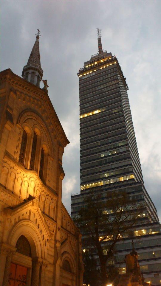 Compara y contrasta la belleza arquitectónica de la Torre Latinoamericana en México D.F y el Empire State Building en Nueva York. Haz el diagrama de Ven y compara la belleza arquitectónica de el edificio de EEUU y el de Mexico. Incluye por lo menos 7 diferencias. M. Melara