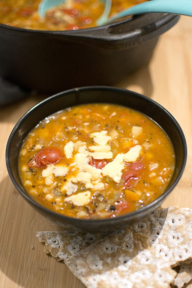 Vinterminestrone med quinoa