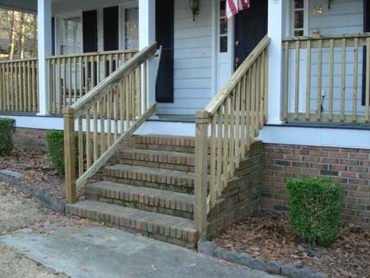 Pressure Treated Simple Wooden Railing System Deck