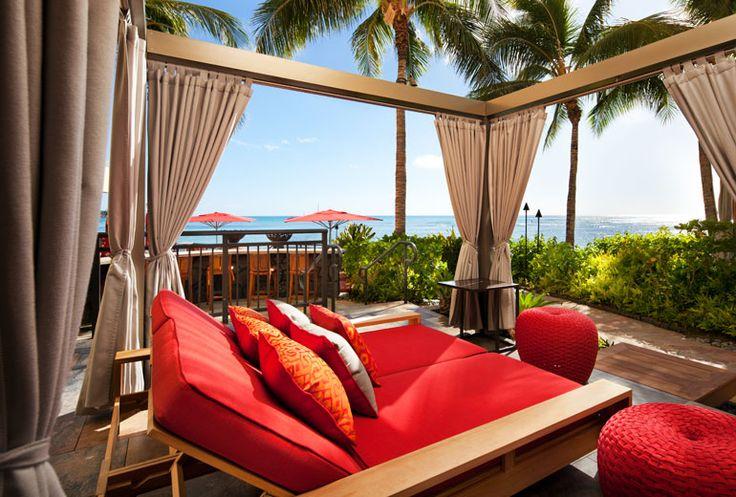 Sheraton Waikiki Hotel - Rumfire ocean front cabana