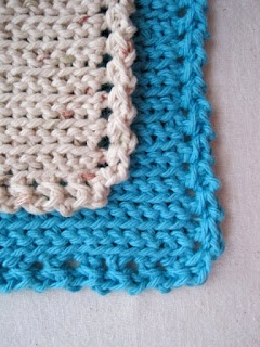 Squiggledy Dishcloth Free Pattern & Tutorial - an Easy Intro to Slip Stitch Crochet