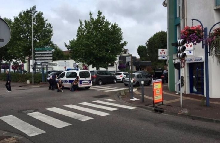 Полиция сообщила о подготовке терактов в день открытия русского храма в Париже - Федеральное агентство новостей No.1