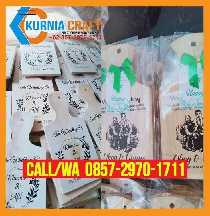 Distributor Wa O857 297o 1711 Jual Souvenir Talenan Kayu Kaskus Malang In 2020 Souvenir Kayu Wedding Centerpieces Diy