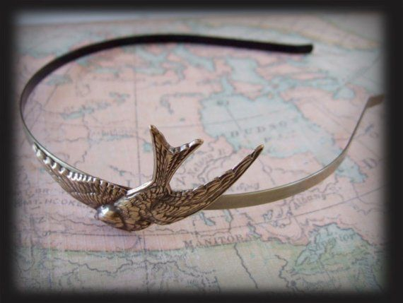 GLIDING SPARROW metal headband in brass by plasticouture