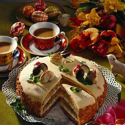 Österliche Nuß-Sahne-Torte Rezept | LECKER