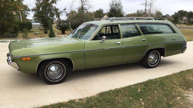 Outerspacious: 1972 Plymouth Satellite Wagon #Wagons #Plymouth - http://barnfinds.com/outerspacious-1972-plymouth-satellite-wagon/