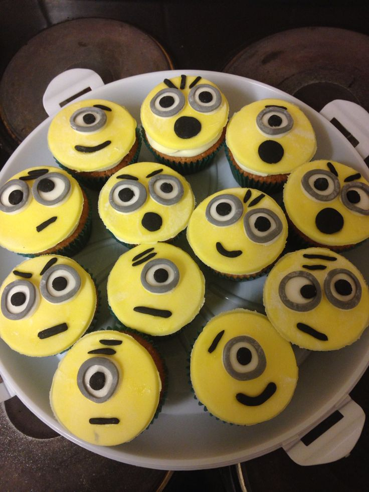 Minion cupcakes :)