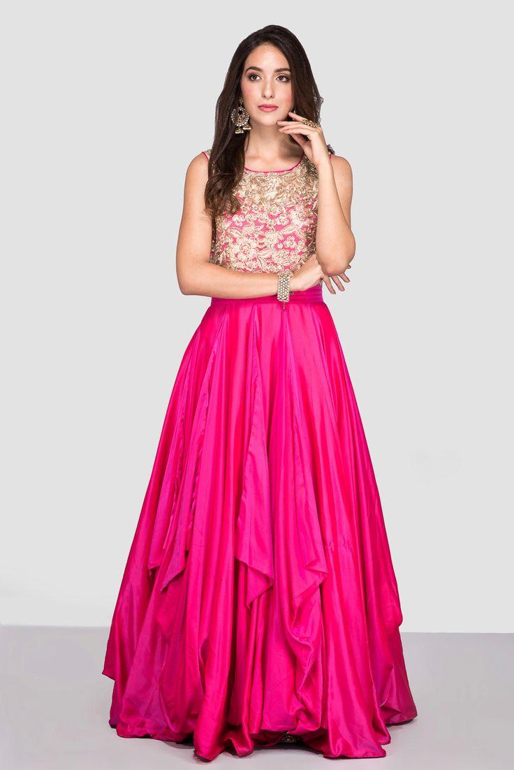 PROSPERA Pink Flared Gown #flyrobe #wedding #weddingoutfit #flyrobeweddings #receptionoutfits #designerwear #designergown #receptiongown
