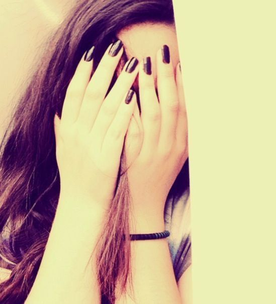 Pin By Amani On D P Z Hidden Face Profile Picture For Girls Girl Hiding Face