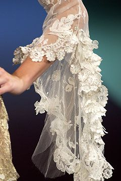 Christian Lacroix Autumn/Winter 2003-4 Couture - Love the pretty lace!