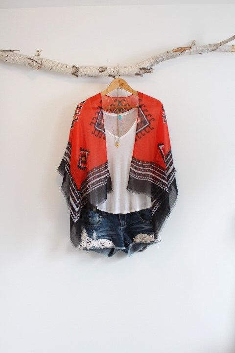 Bohemian kimono * Cape * Native lozenge pattern * Fringed * by NORTHBOHEME on Etsy https://www.etsy.com/listing/270622656/bohemian-kimono-cape-native-lozenge