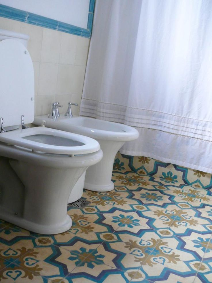 Ba os con mosaicos calcareos buscar con google ba os for Pisos ceramicos para banos pequenos