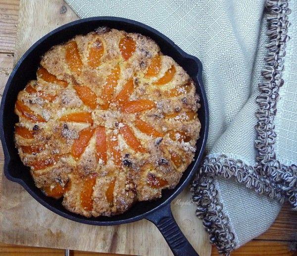 http://magdacook.livejournal.com/49857.html Миндальный бисквит с бобами тонка, абрикосами и посыпкой из апельсинового сахара