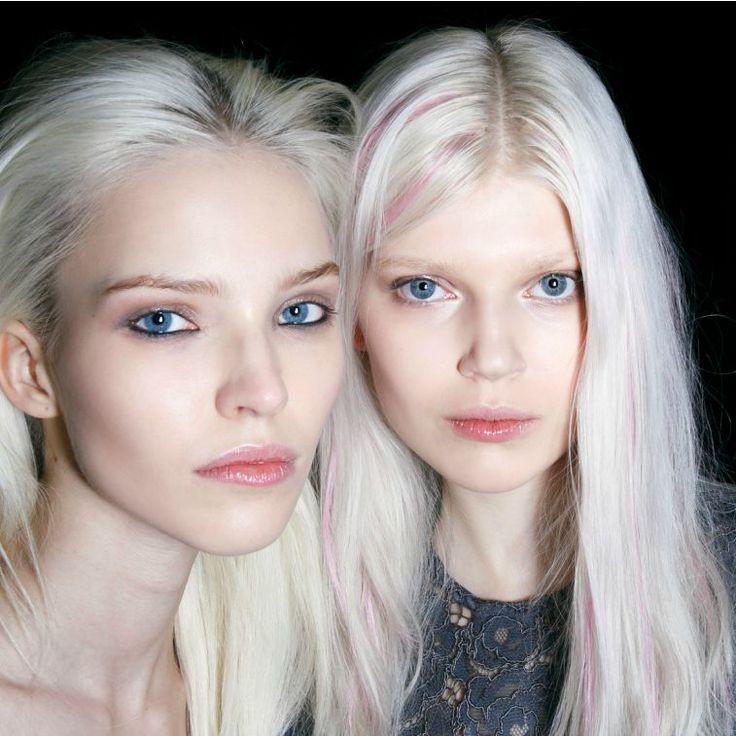 7 amazing hair dye tricks every girl should know // platinum blonde + pastel pink hair streaks backstage at fashion week