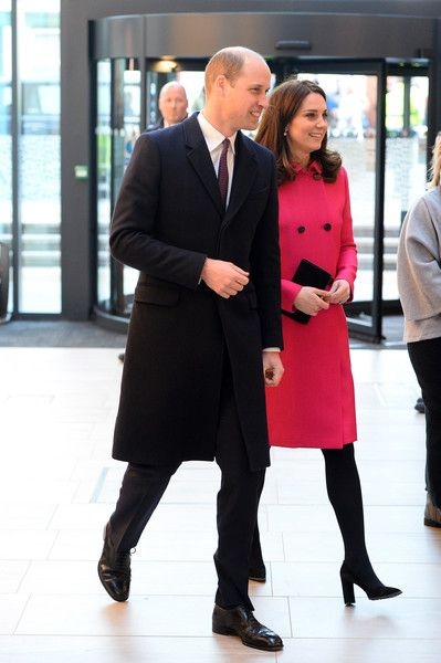 Kate Middleton Photos - Prince William, Duke of Cambridge and Catherine, Duchess of Cambridge visit Coventry University, Science and Health Building on January 16, 2018 in Coventry, England. - The Duke and Duchess Of Cambridge Visit Coventry