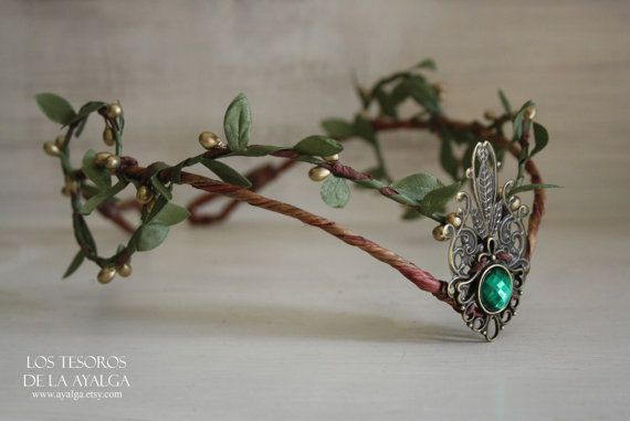 Woodland elf tiara - elven headpiece - fairy crown ( green )