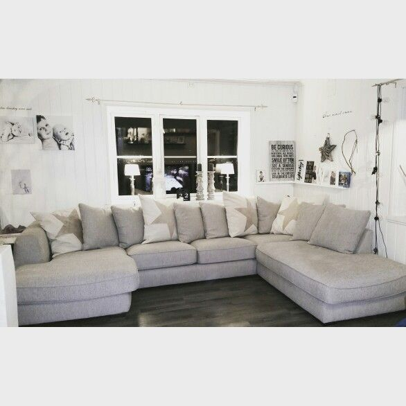 Love my new couch ☆