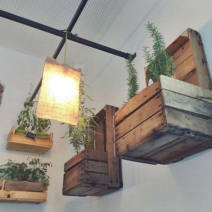 Oltre 25 fantastiche idee su fioriere di legno pallet su for Decorazione giardini stile 700