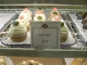 As demand for all natural, preservative free pet treats increases, gourmet pet bakery businesses are springing up to fill an important niche in the pet industry.