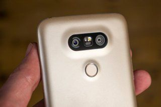 The LG G6 camera could double up as an iris scanner - https://www.aivanet.com/2016/11/the-lg-g6-camera-could-double-up-as-an-iris-scanner/
