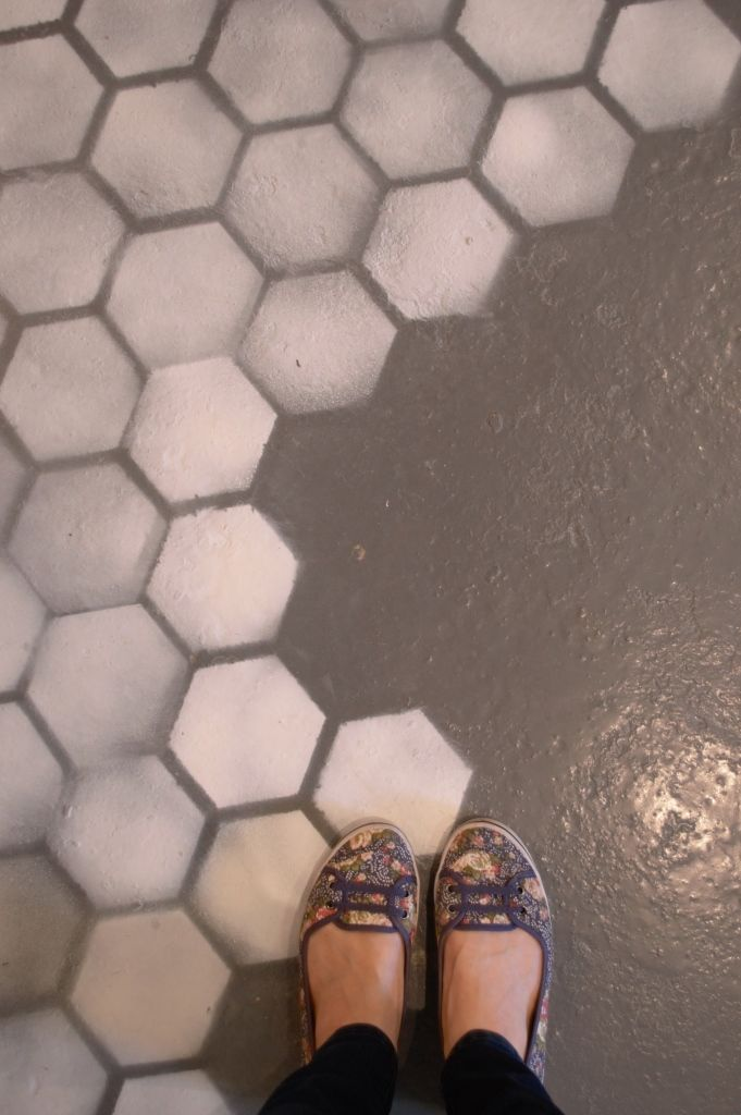 How gorgeous is this hexagonal floor? Interiors store, Rose & Grey, have just opened their showroom in Altrincham, Manchester. Clickthrough for interiors goals!