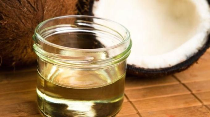 Vous avez sûrement déjà entendu parlerde l'huile de coco. Mais il y tant d'articlessur ce produit miracle qu'il estparfoisdifficile de s'y retrouver. Quels sont les vrais