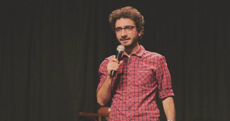 Δεκαέξι κωμικοί ηθοποιοί, «εκμυστηρεύονται» στο Fragile τους λόγους που μένουμε Αθήνα του Αγίου Πνεύματος. Το 2o Avaton International Comedy Festival είναι ο κυριότερος. ------------------------------------------------- #comedy #festival #humor #fragilemagGR http://fragilemag.gr/comedy-festival/